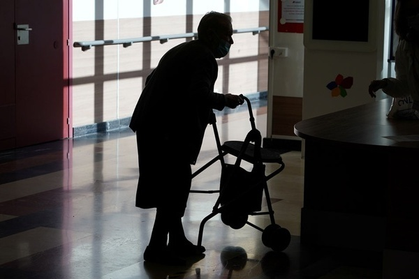 Cụ bà 85 tuổi bất ngờ trở về sau 10 ngày được thông báo đã chết