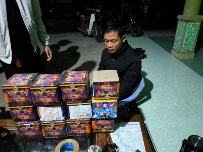 Quảng Bình: Bắt đối tượng vận chuyển, tàng trữ 100kg chất nổ