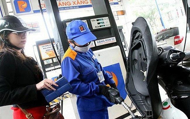 Giá xăng dầu trong nước tiếp tục tăng theo xăng dầu thế giới