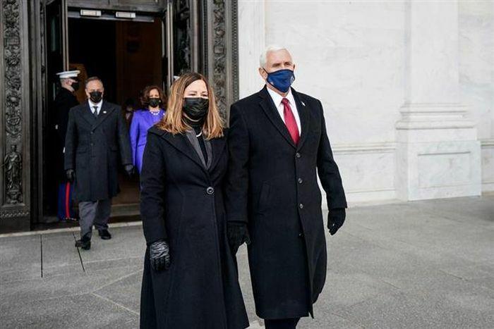 Cựu Phó Tổng thống Mỹ Mike Pence phải ở nhờ