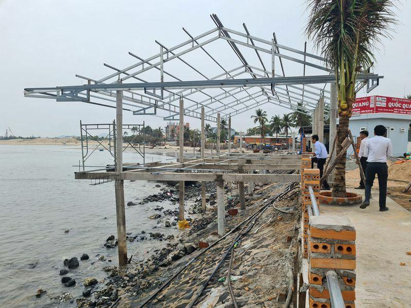 Công trình trái phép phá nát khu tránh trú bão Bến Lội