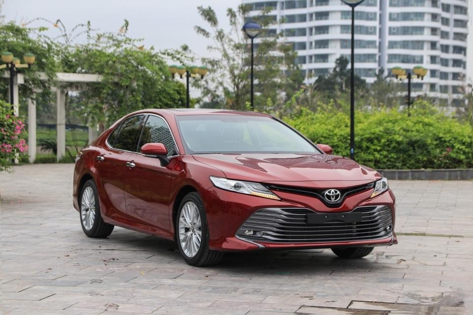 Toyota Camry đứng đầu phân khúc sedan cỡ trung trên toàn cầu