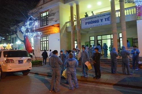 Quảng Ninh: Trắng đêm lấy mẫu xét nghiệm cho 5.000 người dân TX Đông Triều