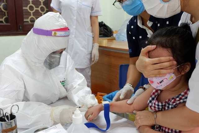 Hà Nội khẩn cấp cách ly gia đình bác sĩ trở về từ Vân Đồn