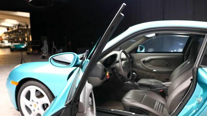 Đây là chiếc Porsche 911 chống đạn chính hãng duy nhất trên thế giới