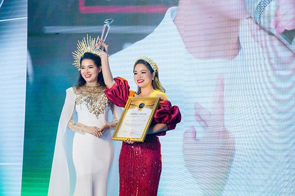 Nữ doanh nhân trẻ nhận thưởng nóng gần 3 tỷ đồng và nhận chức giám đốc điều hành