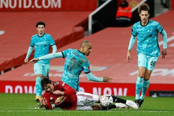 "Klopp kêu gọi Liverpool ""trút giận"" Tottenham"