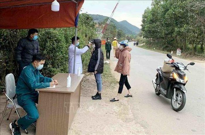 Lập chốt kiểm dịch y tế tại huyện Đình Lập, Lạng Sơn