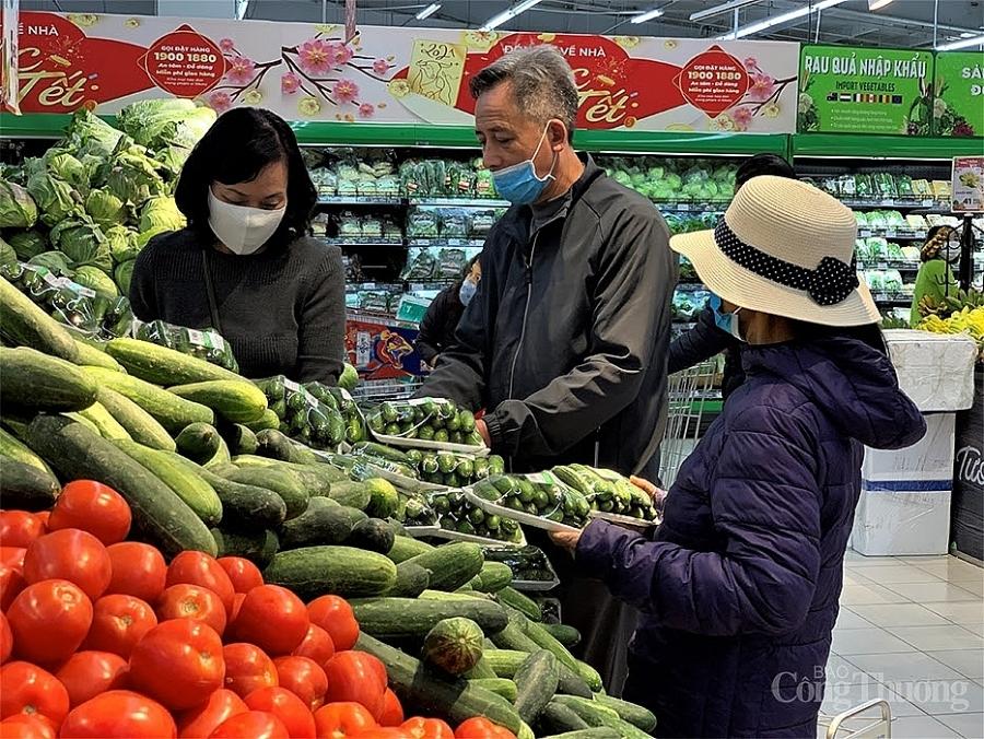 Hà Nội: Hàng hóa đầy kệ, không có tình trạng người tiêu dùng đổ xô đi mua thực phẩm tích trữ