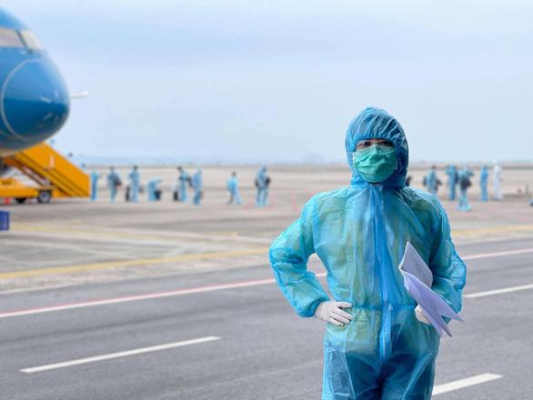 """Thông tin về ê-kíp """"Chiều cuối năm"""" tác nghiệp tại sân bay Vân Đồn – Quảng Ninh"""