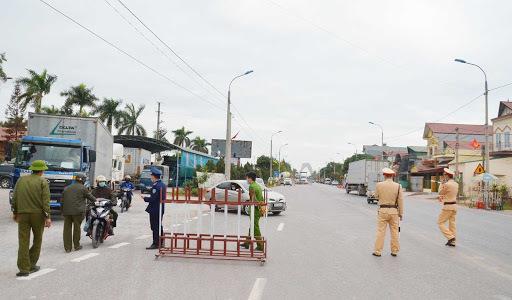 Lịch trình di chuyển dày đặc của 4 ca mắc COVID-19 ở Quảng Ninh