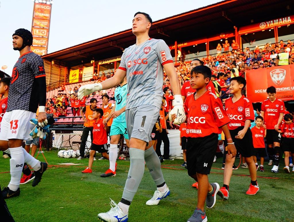 Văn Lâm có thể là cầu nối để nhiều cầu thủ Việt Nam xuất ngoại