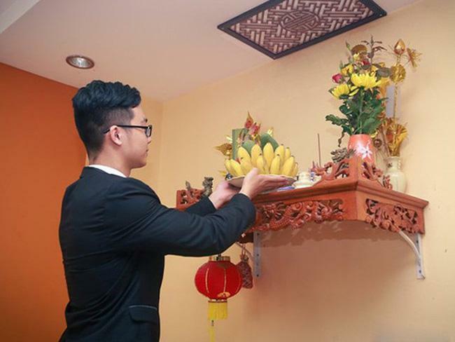 4 cách lau dọn bàn thờ cuối năm, đón lộc vào nhà