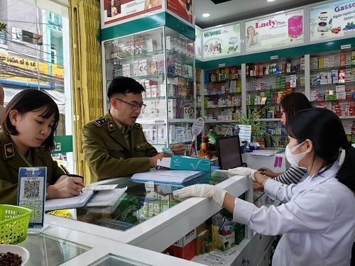 Giám sát chặt việc găm hàng, nâng giá khẩu trang ở Hải Dương, Quảng Ninh