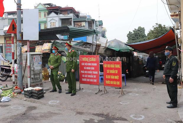 Quảng Ninh tìm những người cùng đi đám cưới, đi chợ Cao Thắng tiếp xúc với nữ tiểu thương nghi nhiễm Covid-19