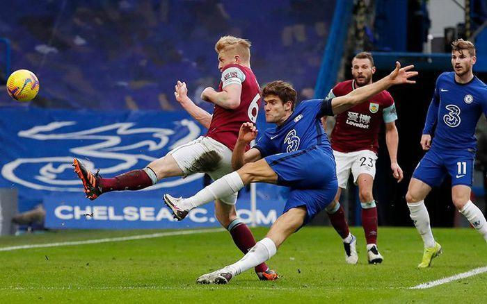 Vòng 21 Premier League: Chelsea thắng Burnley 2-0