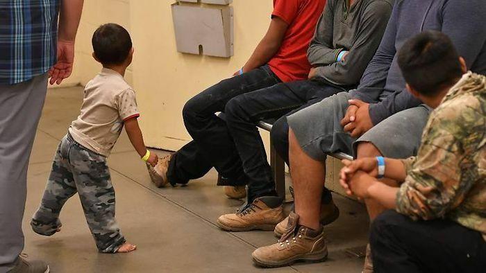 Tòa án Mỹ giữ lại chính sách thời Trump về trục xuất trẻ nhập cư
