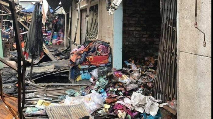 TP HCM: Cháy chợ Bình Triệu ngày cận Tết, tiểu thương khóc ròng