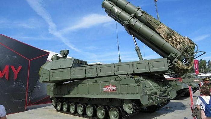 Quân đội Nga được trang bị tên lửa phòng không tối tân Buk-M3 và Buk-M2