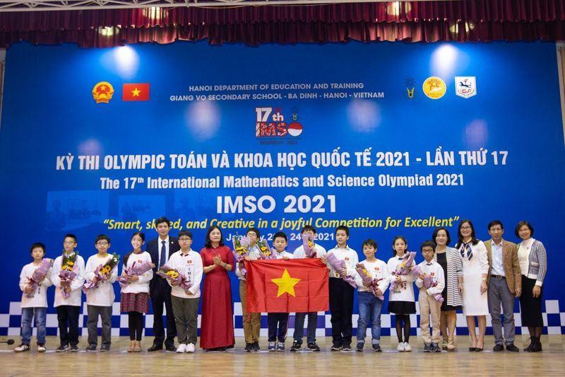 Học sinh Việt Nam giành huy chương vàng Olympic toán và khoa học quốc tế
