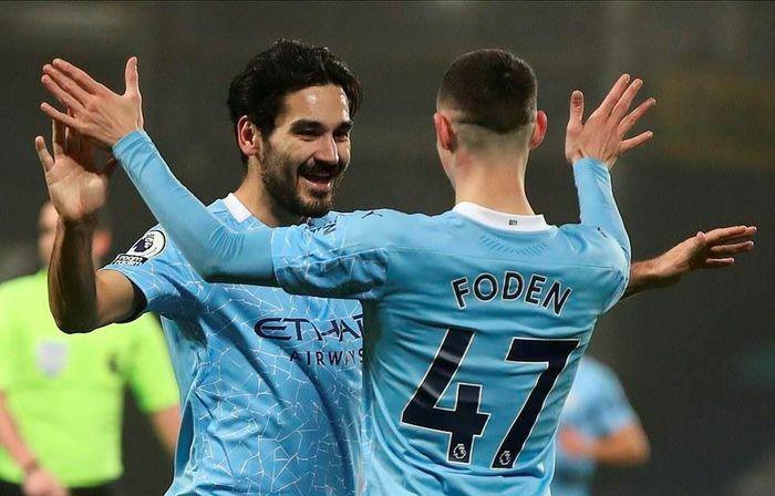 Premier League: Man City lên ngôi đầu, Liverpool bị đá khỏi tốp 4