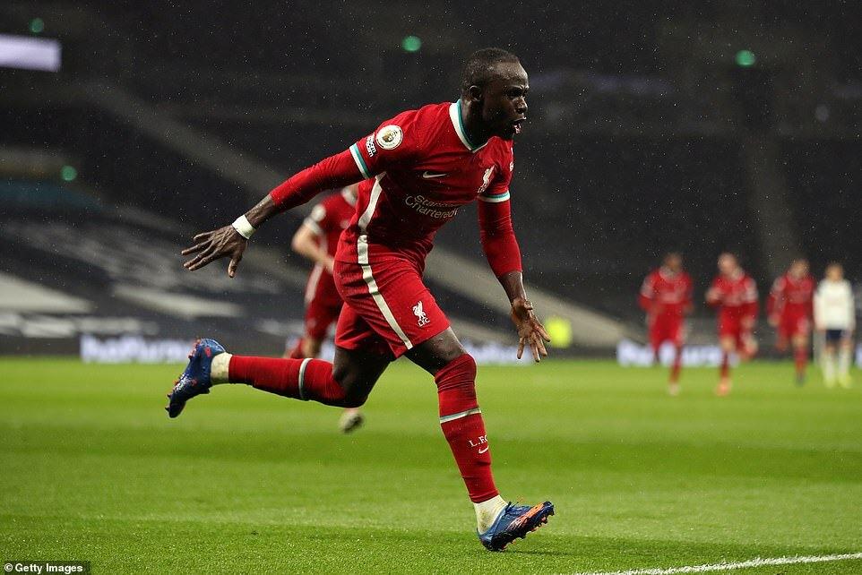 Tottenham 1-3 Liverpool: Nhà vua trở lại