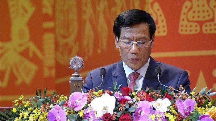 Xây dựng môi trường văn hóa lành mạnh tạo điều kiện phát triển văn hóa, con người Việt Nam