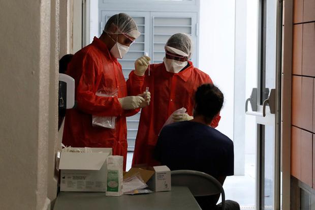 Thế giới ghi nhận gần 103 triệu ca nhiễm virus SARS-CoV-2