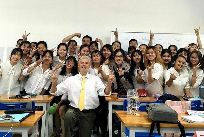 Ngành ngôn ngữ Anh hút người học từ chất lượng đào tạo và hấp dẫn ngoại khóa
