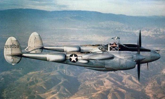 Top 10 máy bay hai động cơ cánh quạt từng thống trị bầu trời