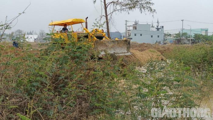 Đà Nẵng: Ồ ạt lấy xà bần, chất thải san lấp mặt bằng dự án đô thị