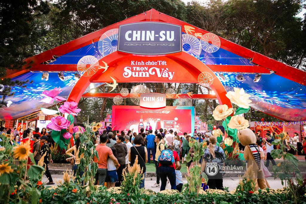 """Hàng nghìn bạn trẻ """"đại náo"""" Lễ hội Tết Việt và thưởng thức bữa tiệc ẩm thực bùng nổ bậc nhất mùa Tết này"""
