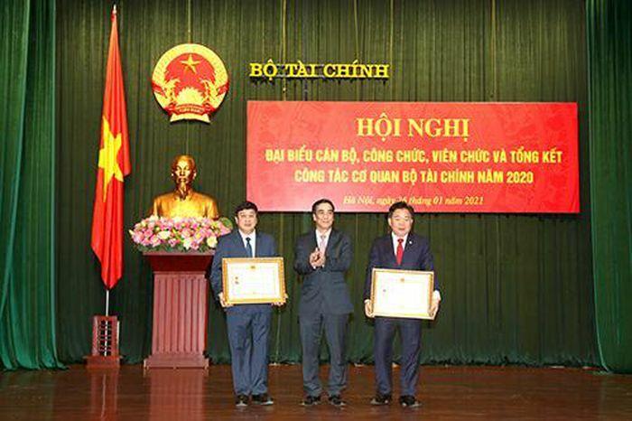 2 nhà giáo Học viện Tài chính được phong tặng Nhà giáo Nhân dân