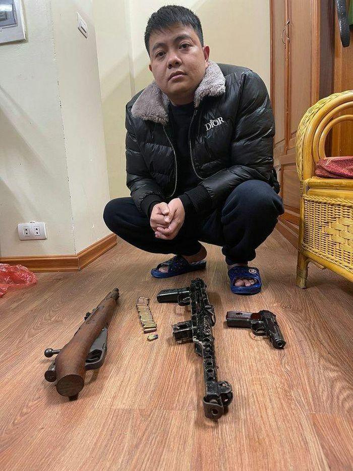 Hà Nội: Phá đường dây đánh bạc, cho vay nặng lãi, thu nhiều súng đạn