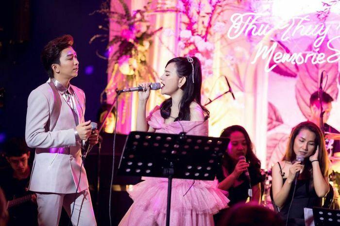 """Thu Thủy tiết lộ kỷ niệm đặc biệt với Tăng Phúc trong đêm nhạc Thu Thuy""""s Memories"""