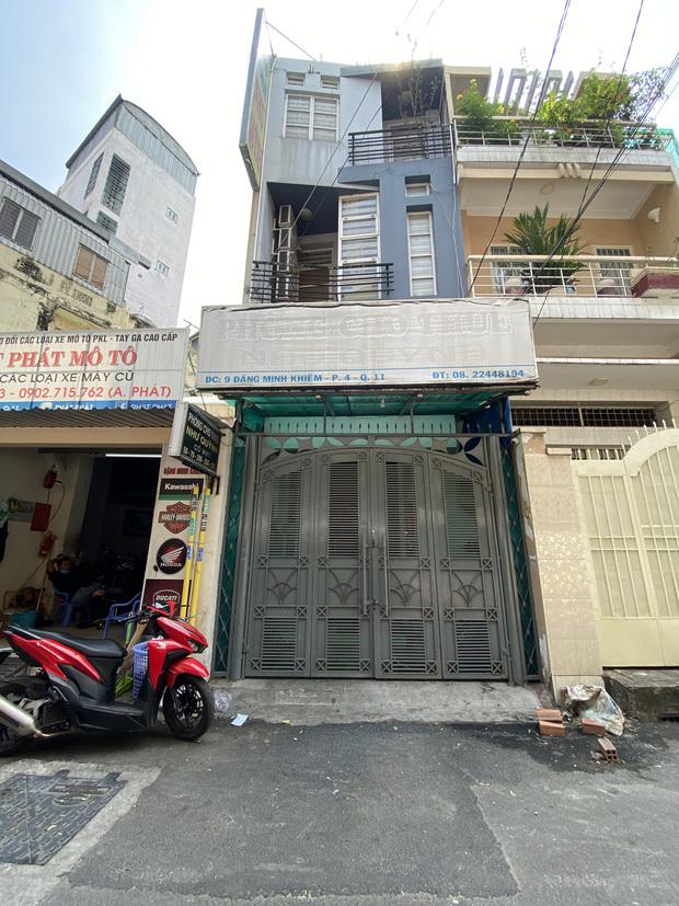 TP.HCM: Cận cảnh phong toả khách sạn và quán ăn nơi ca mắc Covid-19 từng đến