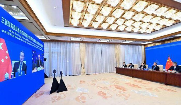 Quan chức EU nhắc Trung Quốc về mối quan hệ với Mỹ