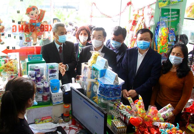 Chủ tịch Hà Nội yêu cầu giám sát chặt F1, F2