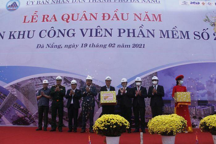 Đà Nẵng: Các công trình trọng điểm ở thành phố sôi nổi ngày ra quân đầu năm