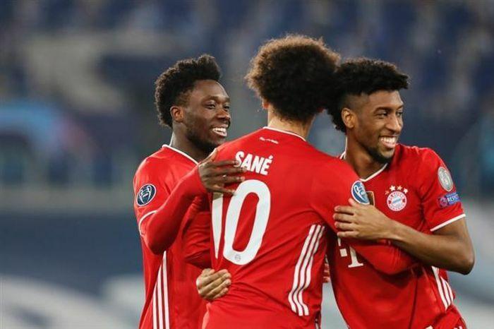 """Kết quả Champions League: """"Nghiền nát"""" Lazio, Bayern đặt một chân vào tứ kết"""