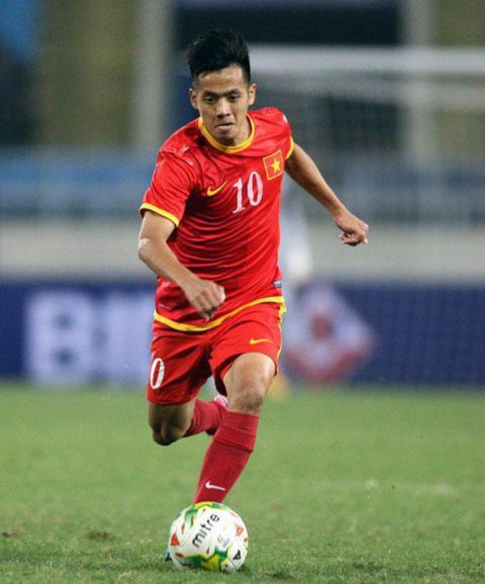 Cầu thủ Nguyễn Văn Quyết nằm trong đề cử Gương mặt trẻ Việt Nam tiêu biểu năm 2020