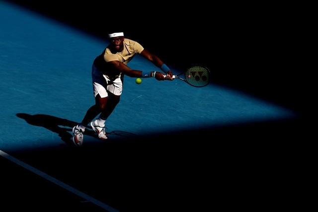 Australian Open: Djokovic thắng nhọc nhằn trước đối thủ 23 tuổi