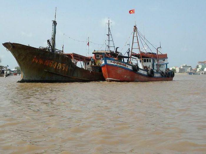 Biên phòng Gành Hào thông tin về xác tàu ở cửa biển Bạc Liêu