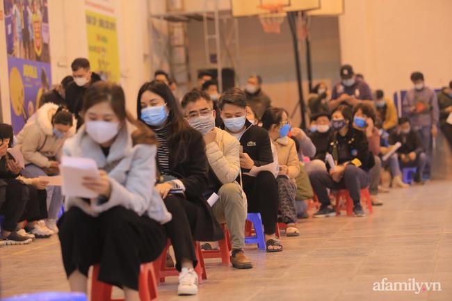 Hà Nội: Hơn 500 học sinh, giáo viên trường THPT Nguyễn Trãi đi trải nghiệm ở Hải Dương âm tính với SARS-CoV-2, vẫn phải tự cách ly