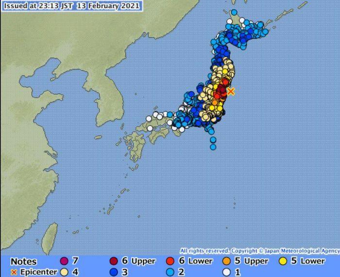 Động đất 7,3 độ ở Nhật, gần một triệu hộ dân mất điện