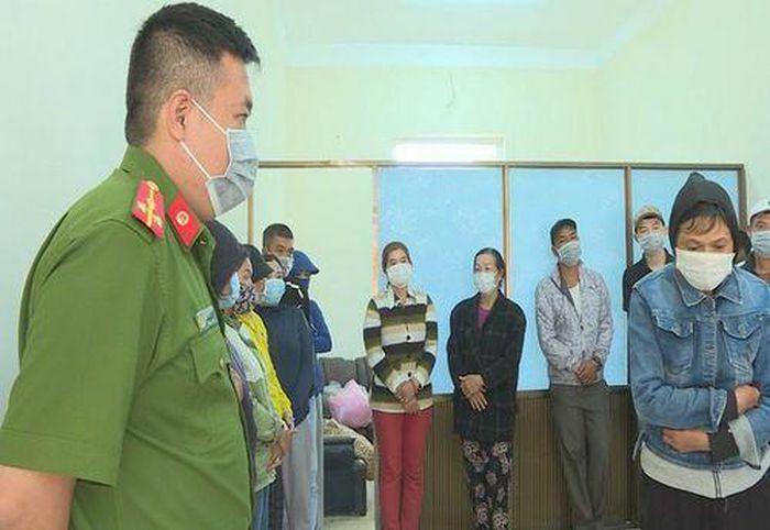 Đắk Lắk: Bắt quả tang nhóm người đánh bầu cua, thu giữ gần 200 triệu đồng