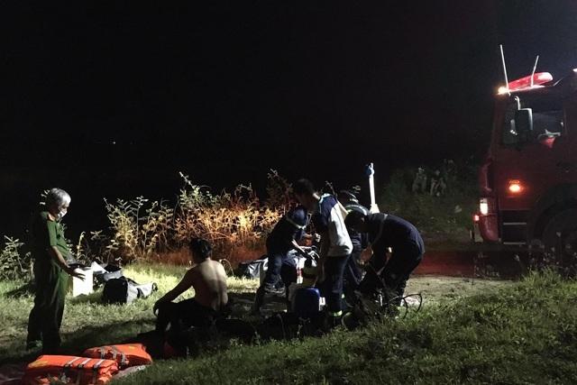 Vụ ô tô hất 2 học sinh xuống sông: Thêm một nạn nhân tử vong