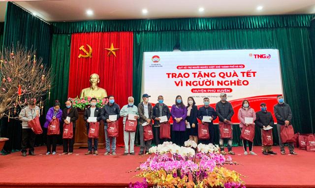 Tập đoàn TNG Holdings Vietnam trao 1.000 phần quà Tết cho hộ nghèo