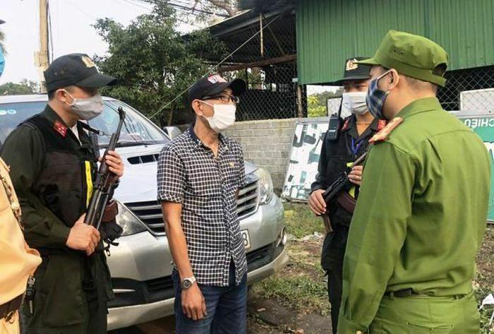 Bắt tài xế tiếp tay cho người Trung Quốc nhập cảnh trái phép