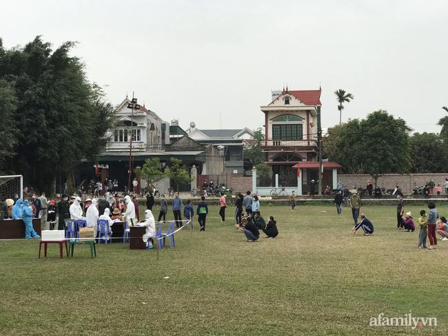 Hải Dương: Hàng trăm người dân tiếp tục được xét nghiệm COVID-19 cộng đồng tại TP Chí Linh